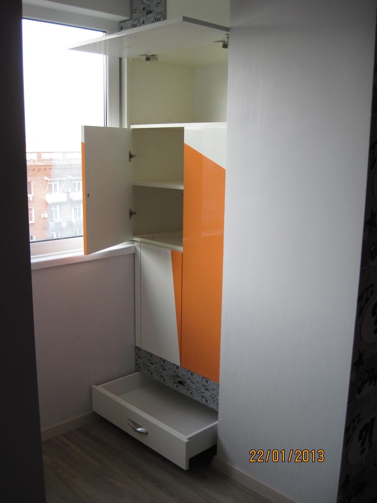 Мебель для дома на заказ в днепропетровске: комод, стол, тум.